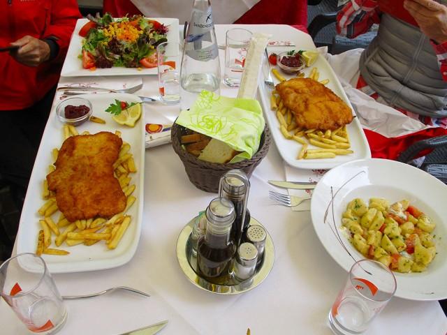 郷土料理はウィーン風、シュニツエルとニョッキ