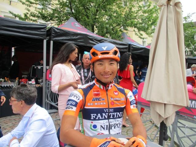 山本元喜選手がスタート前に参加者メンバーと楽しいひとときをつくってくれました。